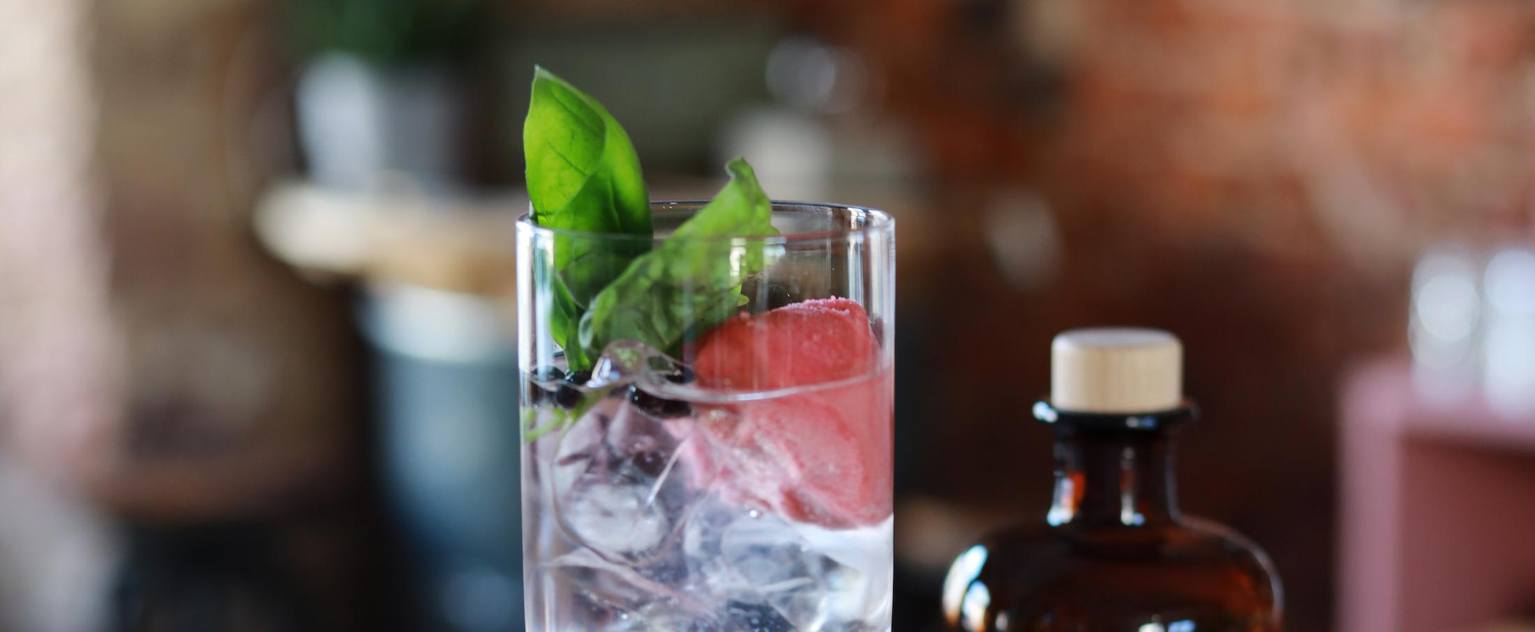 Erdbeersorbet mit UNIQUE Gin